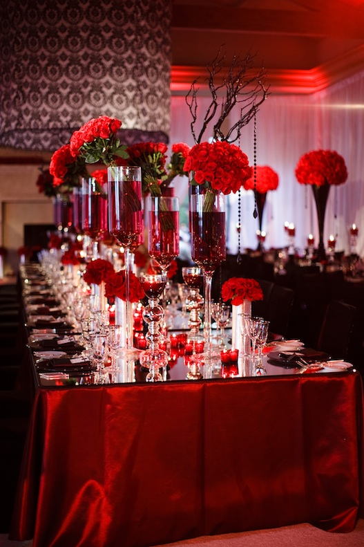 Red black and white rose wedding car interior design for Red decoration for wedding
